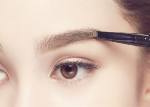 Eyebrow embroidery vs eyebrow pencil