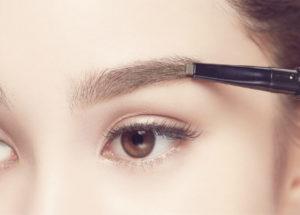 Eyebrow embroidery vs eyebrow pencil